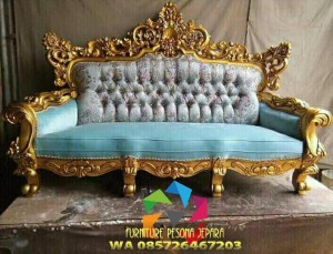 kursi sofa modern warna gold full ukiran